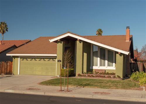 Photo of 2581 Flagstone DR, SAN JOSE, CA 95132 (MLS # ML81826825)