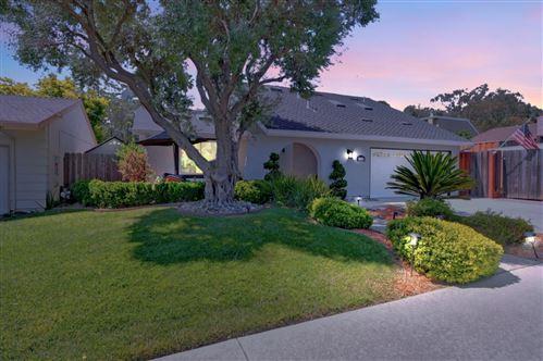Photo of 6138 Paso Los Cerritos, SAN JOSE, CA 95120 (MLS # ML81842827)