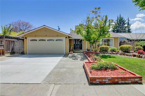 Photo of 1606 Inglis LN, SAN JOSE, CA 95118 (MLS # ML81839837)