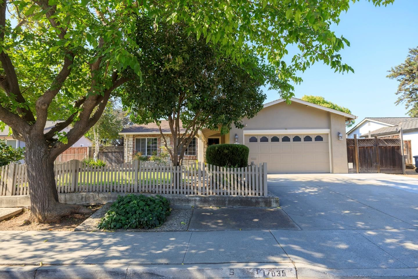 Photo for 17035 Peppertree DR, MORGAN HILL, CA 95037 (MLS # ML81815837)