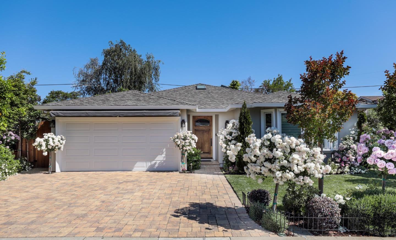 Photo for 1552 Gilmore Street, MOUNTAIN VIEW, CA 94040 (MLS # ML81846852)