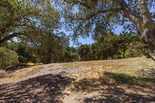 Photo of 501 Wayside RD, PORTOLA VALLEY, CA 94028 (MLS # ML81758854)