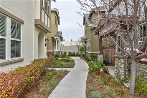Photo of 865 Maple Place, EAST PALO ALTO, CA 94303 (MLS # ML81829854)
