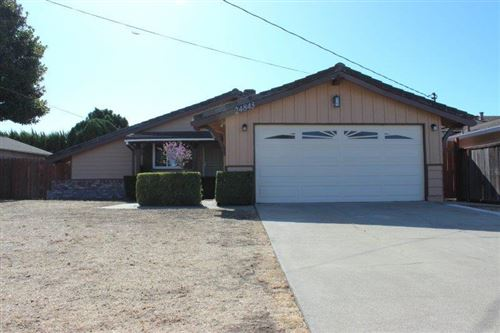 Photo of 24843 Calaroga AVE, HAYWARD, CA 94545 (MLS # ML81772858)