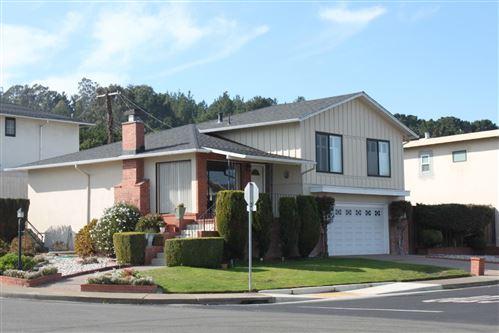 Photo of 701 Serra DR, SOUTH SAN FRANCISCO, CA 94080 (MLS # ML81824867)