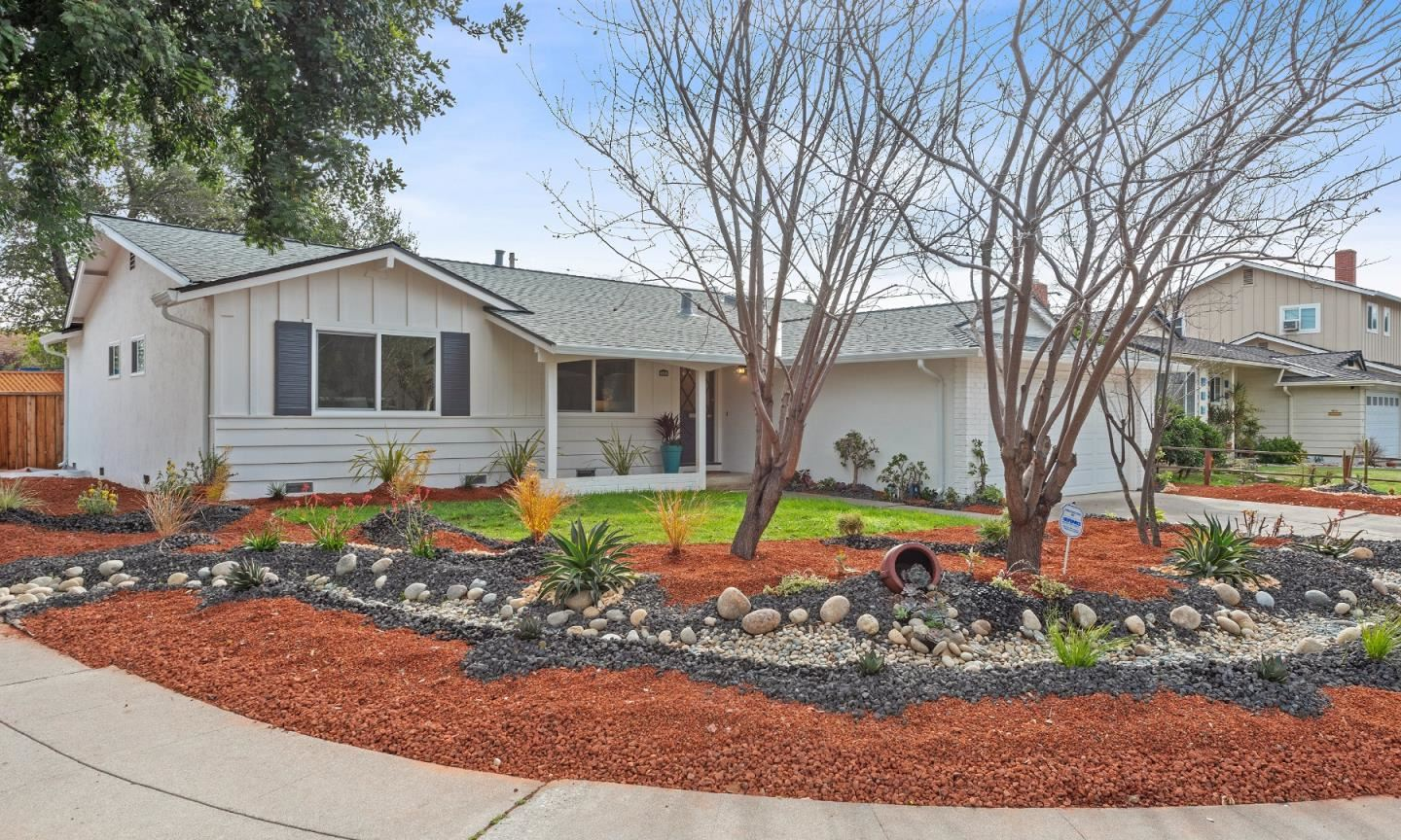 Photo for 600 Ginden DR, CAMPBELL, CA 95008 (MLS # ML81829867)