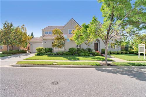 Photo of 1633 Hill Top View Terrace, SAN JOSE, CA 95138 (MLS # ML81841870)