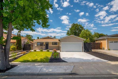 Photo of 387 Washington Drive, MILPITAS, CA 95035 (MLS # ML81855872)