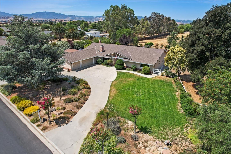 60 Holliday Drive, Hollister, CA 95023 - MLS#: ML81855875