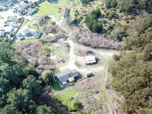 Photo of 8 Hinton Ranch RD, PACIFICA, CA 94044 (MLS # ML81837876)