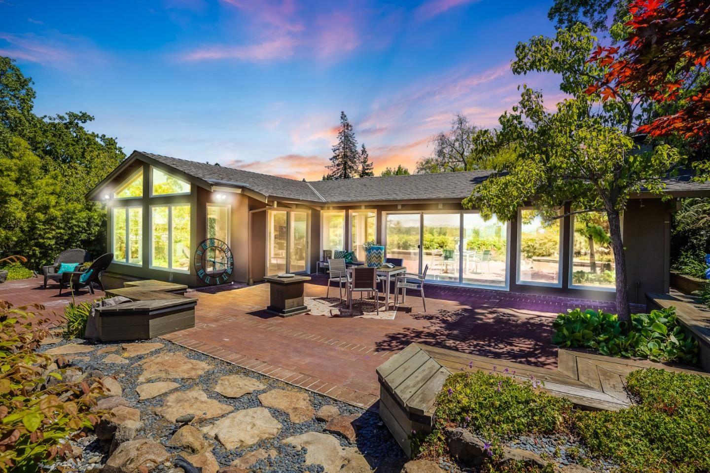 90 La Loma Drive, Menlo Park, CA 94025 - #: ML81847877