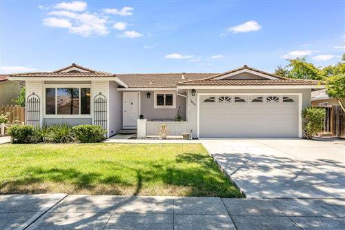 Photo of 3059 Via Del Coronado, SAN JOSE, CA 95132 (MLS # ML81799888)