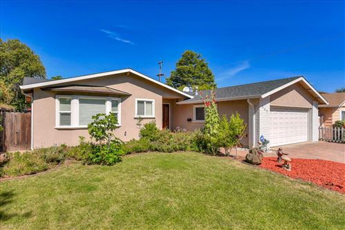 Photo of 869 Candlewood DR, CUPERTINO, CA 95014 (MLS # ML81794891)
