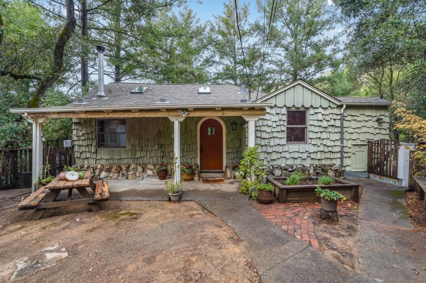 Photo for 21565 Old Mine RD, LOS GATOS, CA 95033 (MLS # ML81820893)