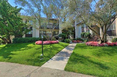 Photo of 226 W Edith AVE 23 #23, LOS ALTOS, CA 94022 (MLS # ML81800898)