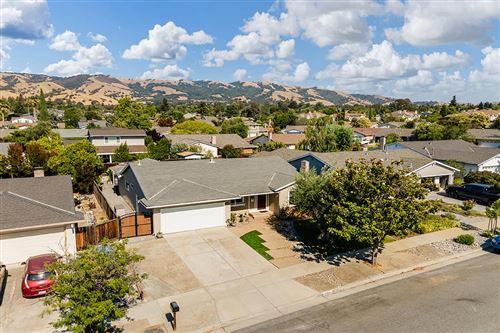 Photo of 5158 Willow Estate, SAN JOSE, CA 95135 (MLS # ML81851898)
