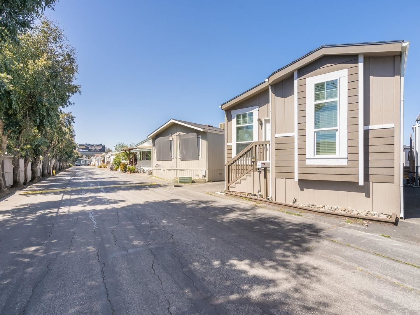 3015 East Bayshore Road, Redwood City, CA 94063 - #: ML81837898