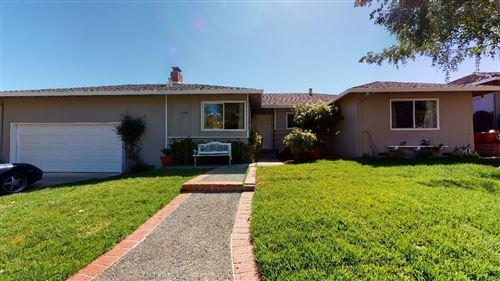 Photo of 5498 Blossom Wood Drive, SAN JOSE, CA 95124 (MLS # ML81854901)