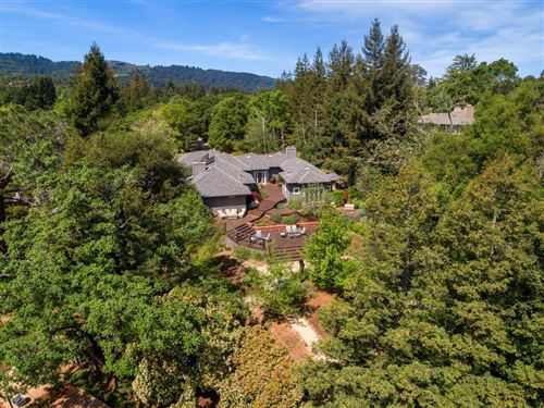 Photo of 2 Applewood LN, PORTOLA VALLEY, CA 94028 (MLS # ML81790907)