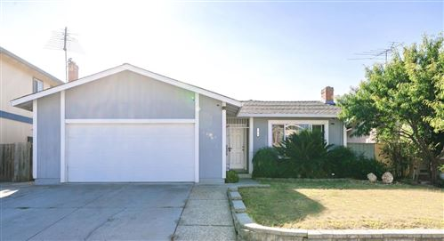 Photo of 1070 Saddlewood DR, SAN JOSE, CA 95121 (MLS # ML81814908)