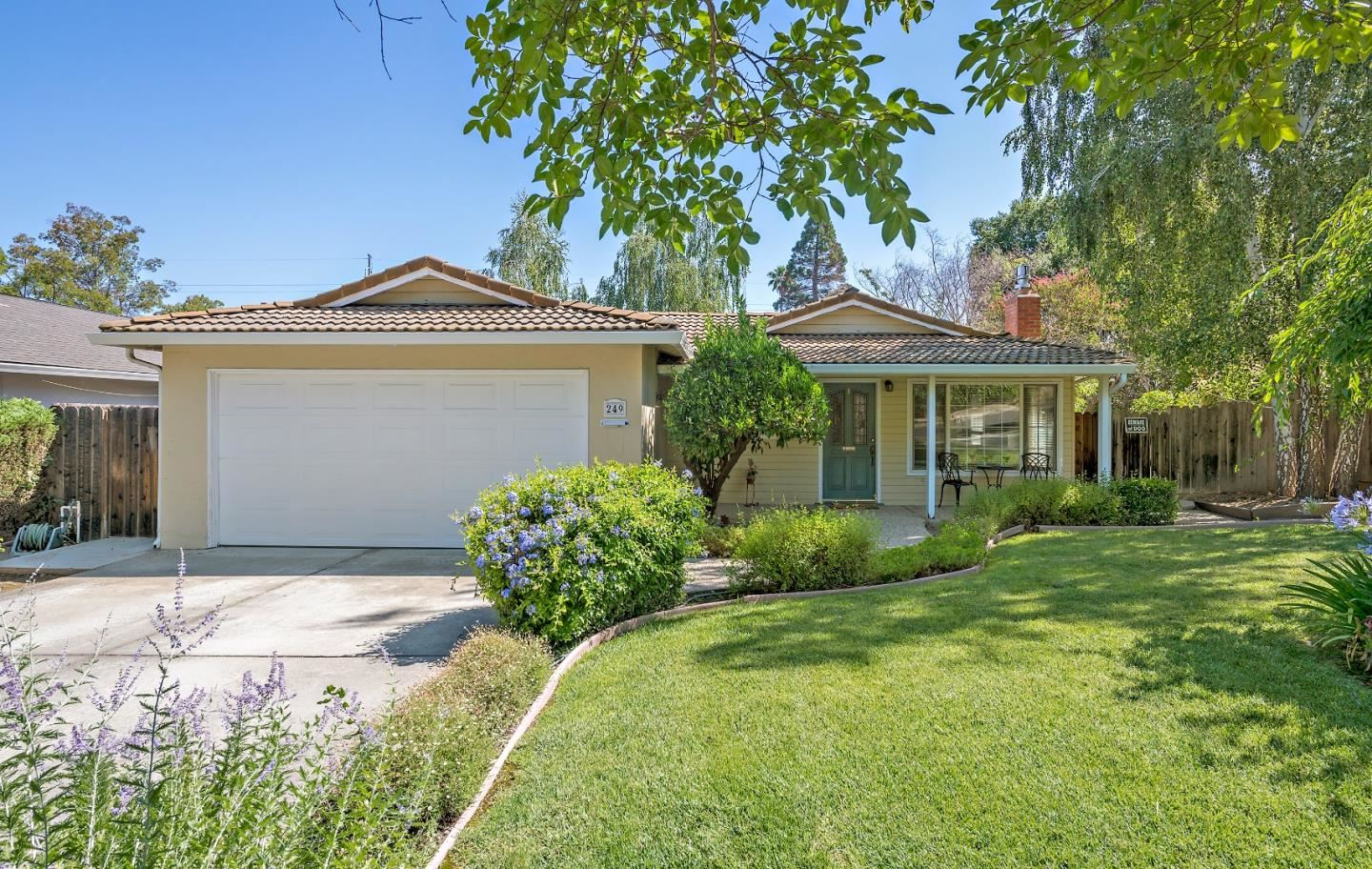 Photo for 249 Oakdale Drive, LOS GATOS, CA 95032 (MLS # ML81853908)
