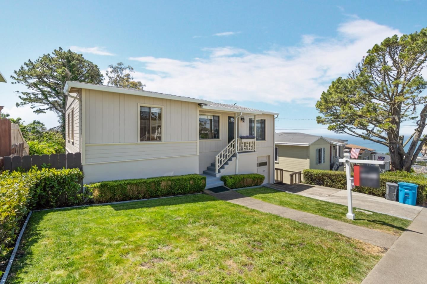Photo for 424 Manor DR, PACIFICA, CA 94044 (MLS # ML81787912)