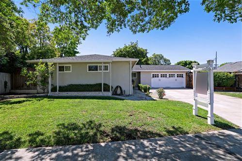 Photo of 825 Mulberry Lane, SUNNYVALE, CA 94087 (MLS # ML81846915)