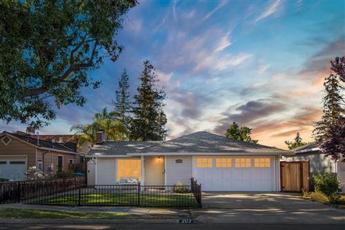 Photo of 203 Saint Francis ST, REDWOOD CITY, CA 94062 (MLS # ML81800921)