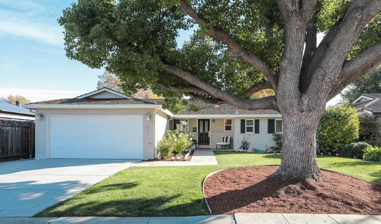 Photo for 1813 Orangetree LN, MOUNTAIN VIEW, CA 94040 (MLS # ML81820924)