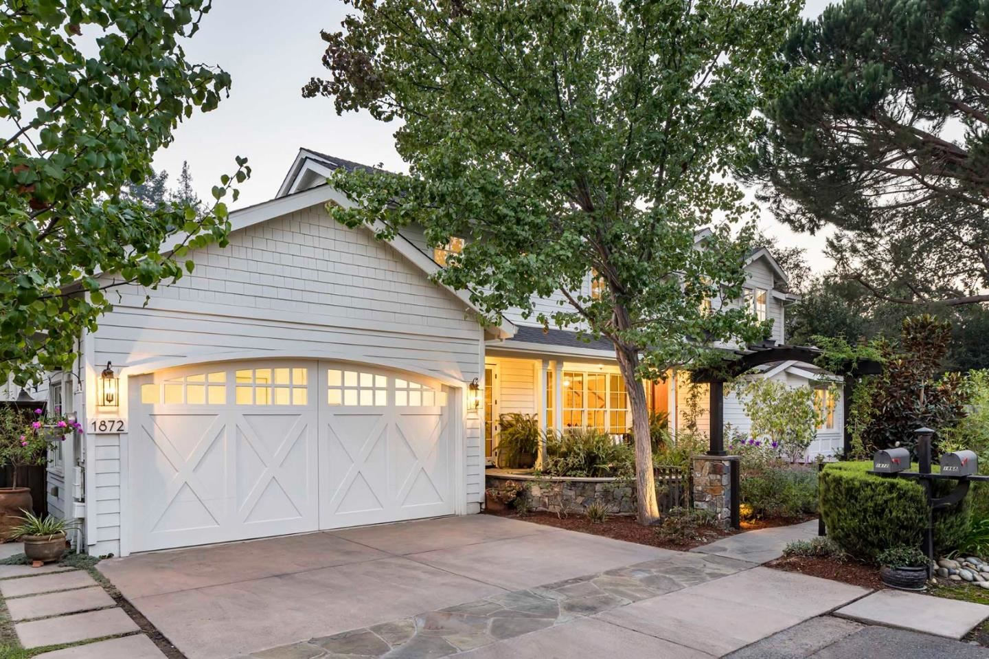 Photo for 1872 Camino De Los Robles, MENLO PARK, CA 94025 (MLS # ML81814927)