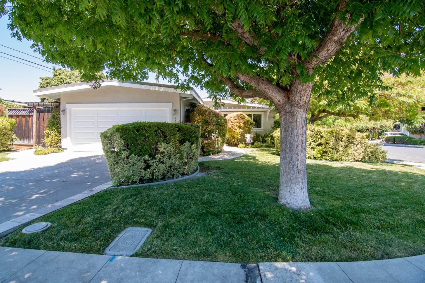 Photo for 2500 Mardell WAY, MOUNTAIN VIEW, CA 94043 (MLS # ML81803931)