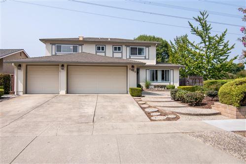 Photo of 6469 Purple Hills DR, SAN JOSE, CA 95119 (MLS # ML81810934)