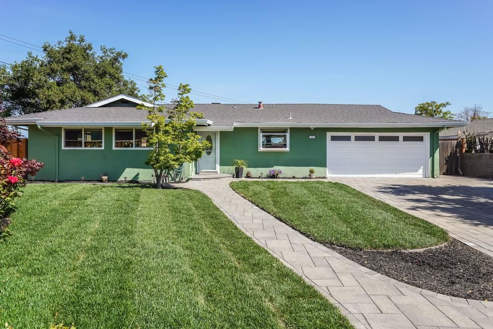 Photo for 1043 Longfellow Avenue, CAMPBELL, CA 95008 (MLS # ML81840938)