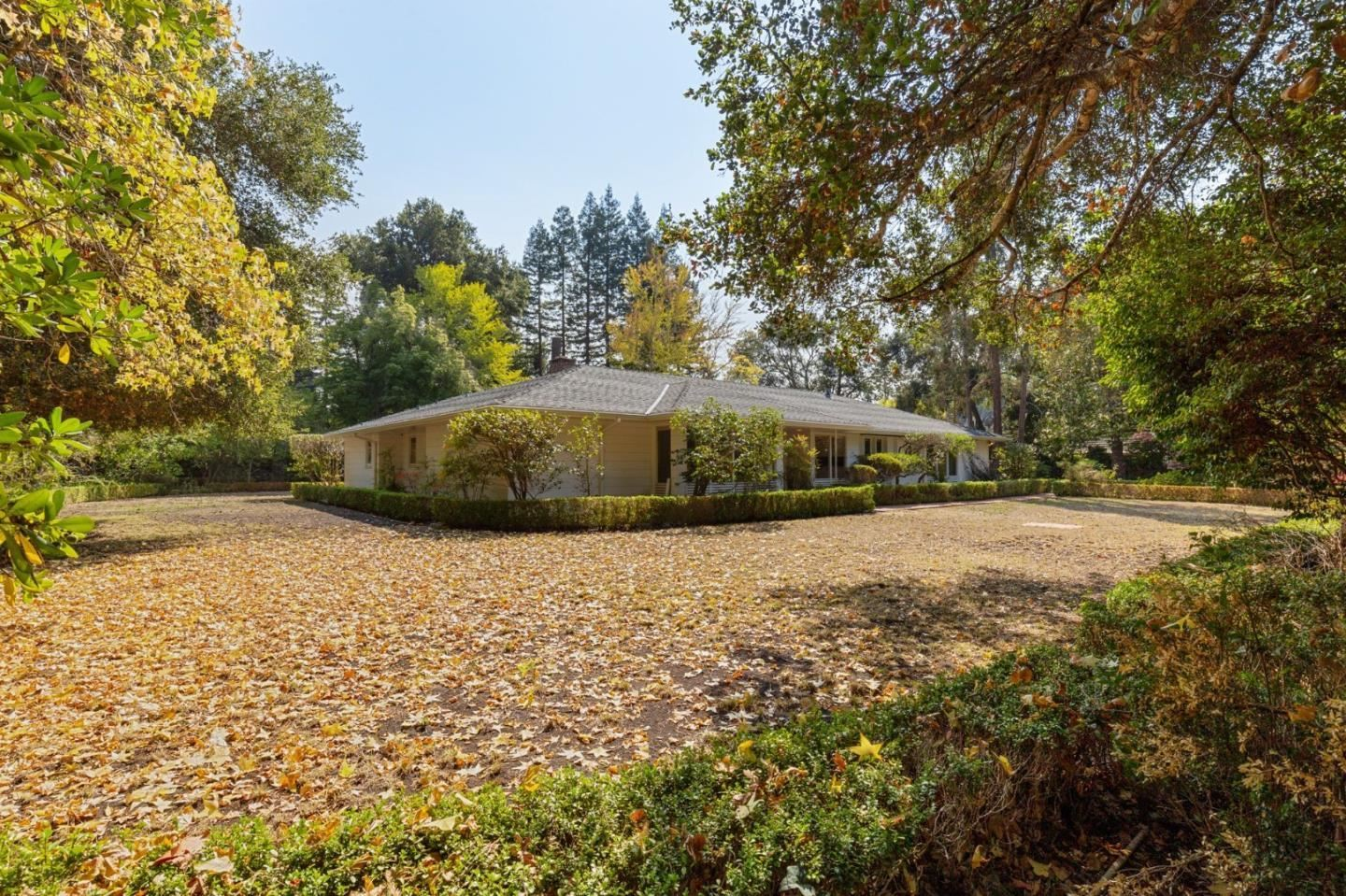 Photo for 143 Selby LN, ATHERTON, CA 94027 (MLS # ML81830941)