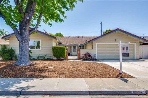 Photo of 631 Hillsdale Avenue, SANTA CLARA, CA 95051 (MLS # ML81842942)