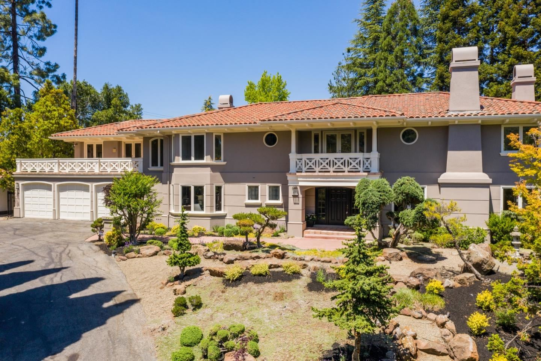 Photo for 11555 Arroyo Oaks Drive, LOS ALTOS HILLS, CA 94024 (MLS # ML81846949)