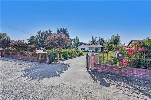 Photo of 240 East San Martin Avenue, SAN MARTIN, CA 95046 (MLS # ML81863951)