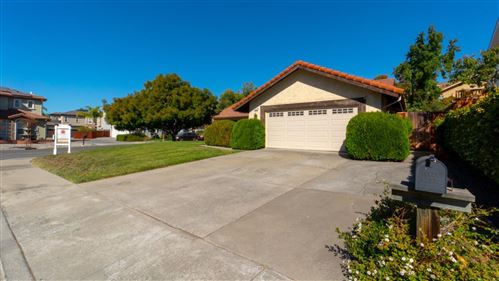Photo of 3514 Feller AVE, SAN JOSE, CA 95127 (MLS # ML81816953)