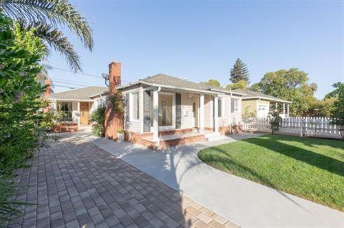 Photo of 3711 Hoover ST, REDWOOD CITY, CA 94063 (MLS # ML81830954)