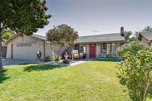 Photo of 3925 Sark WAY, SAN JOSE, CA 95111 (MLS # ML81799956)