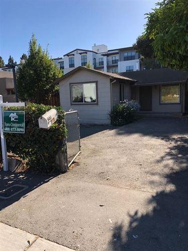 Photo of 961 Sherwood Avenue, LOS ALTOS, CA 94022 (MLS # ML81864962)