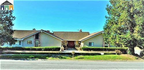 Photo of 895 Yakima DR, FREMONT, CA 94539 (MLS # ML81794964)
