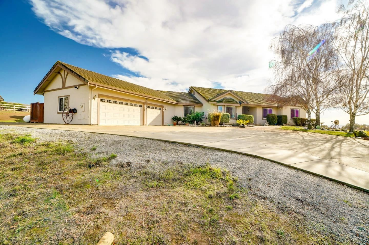 Photo for 2950 Bannister AVE, GILROY, CA 95020 (MLS # ML81824966)