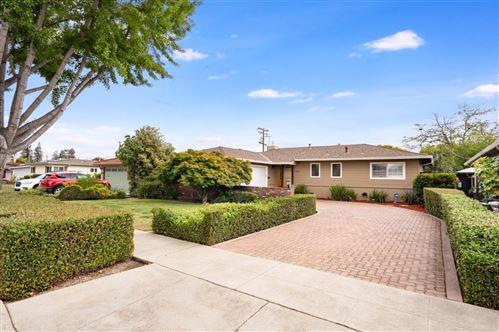 Photo of 590 Crestview DR, SAN JOSE, CA 95117 (MLS # ML81804970)