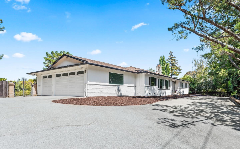 Photo for 6185 Skyline Boulevard, HILLSBOROUGH, CA 94010 (MLS # ML81852971)