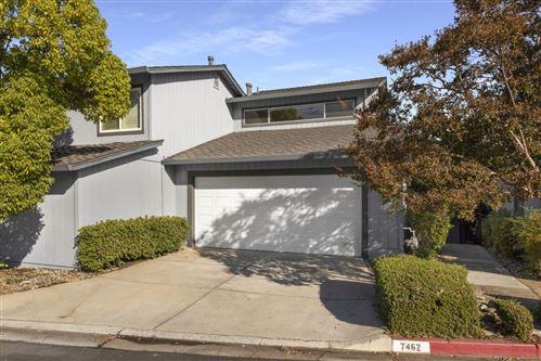 Photo of 7462 Tulare Hill LN, SAN JOSE, CA 95139 (MLS # ML81818973)