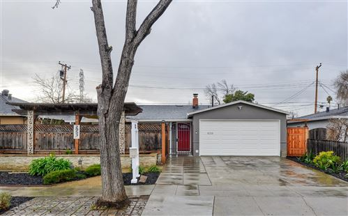 Photo of 2953 Quinto WAY, SAN JOSE, CA 95124 (MLS # ML81826978)