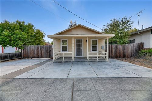 Photo of 416 N Bayview AVE, SUNNYVALE, CA 94085 (MLS # ML81807982)