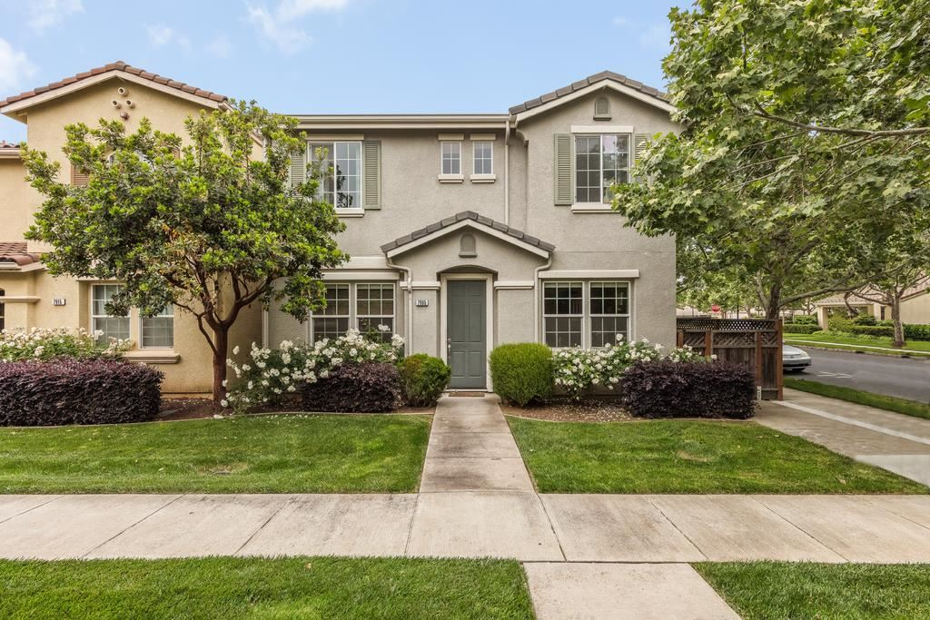 Photo for 7905 Spanish Oak CIR, GILROY, CA 95020 (MLS # ML81752982)
