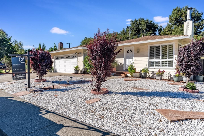 Photo for 1226 Sleepy Hollow LN, MILLBRAE, CA 94030 (MLS # ML81806985)
